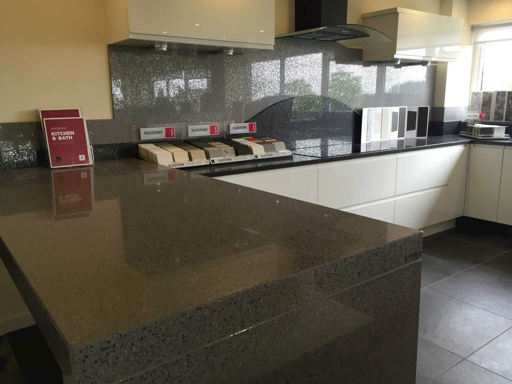 Silestone-Platinum-showroom