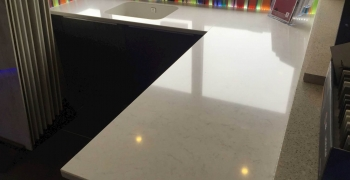 Silestone-showroom-Lagoon-display